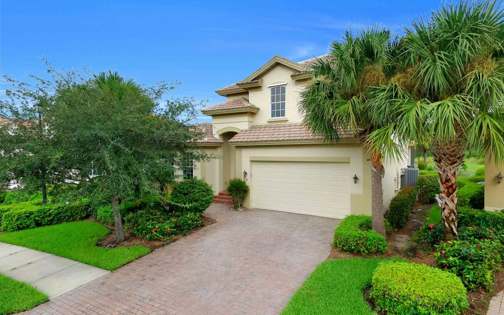 5453 Whispering Willow Way, Fort Myers - Home For Sale 199092363