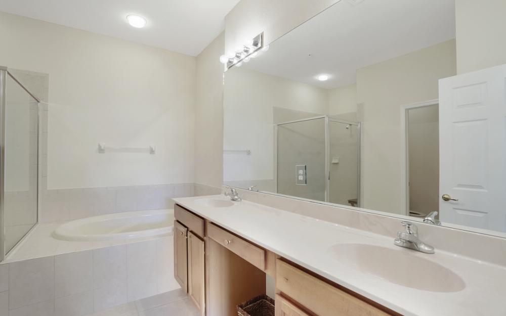 14901 Reflection Key Cir, Fort Myers - Home For Sale 1956437905