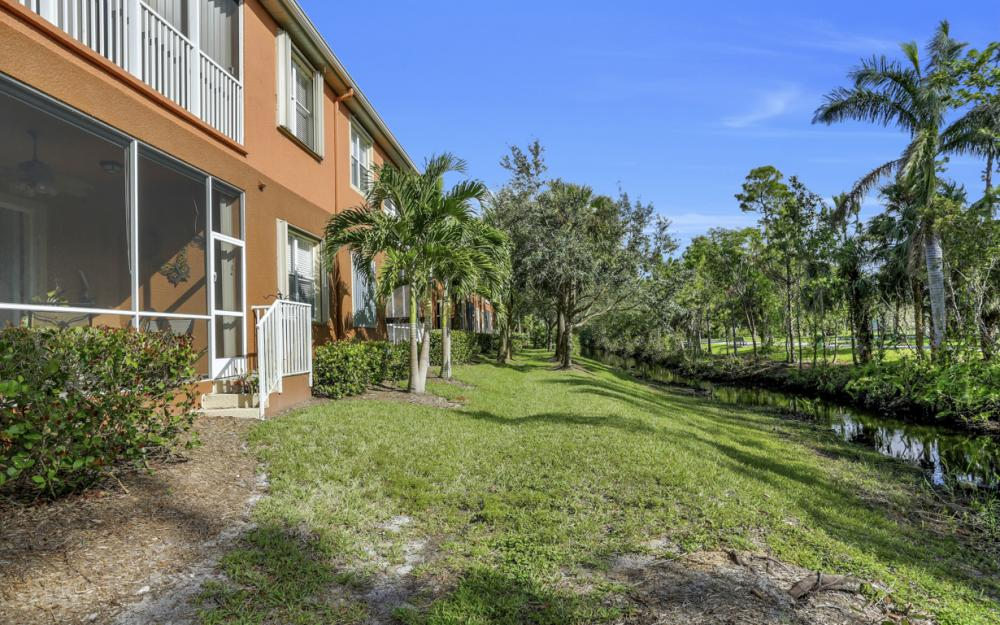 14901 Reflection Key Cir, Fort Myers - Home For Sale 11885002