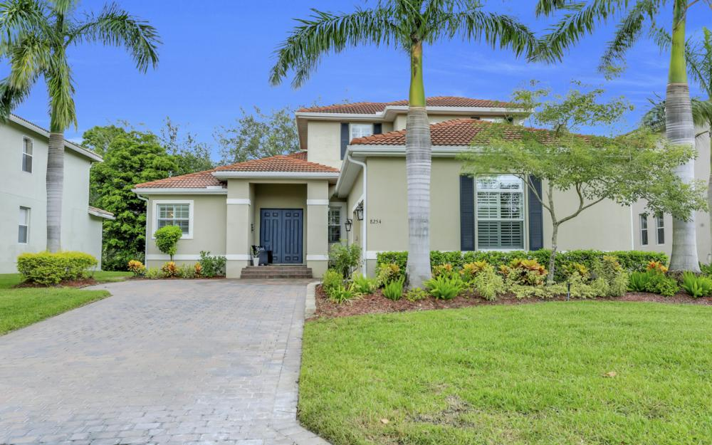 8254 Sumner Ave, Fort Myers - Home For Sale 1202372600