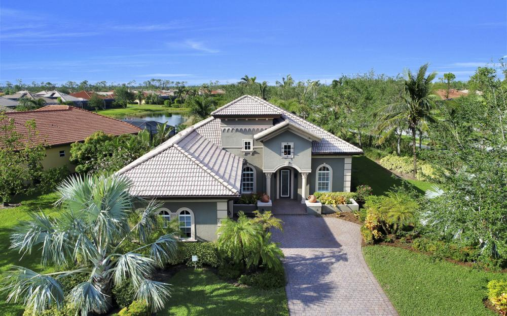 7762 Cottesmore Dr, Naples - Home For Sale 382685809