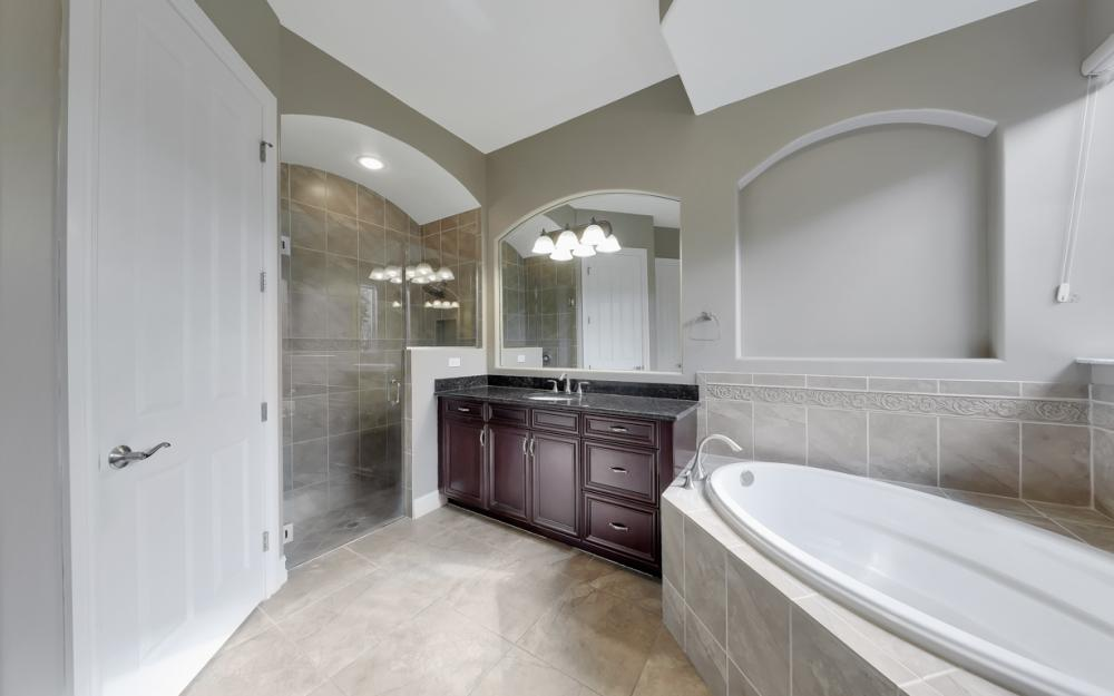 7762 Cottesmore Dr, Naples - Home For Sale 818652635