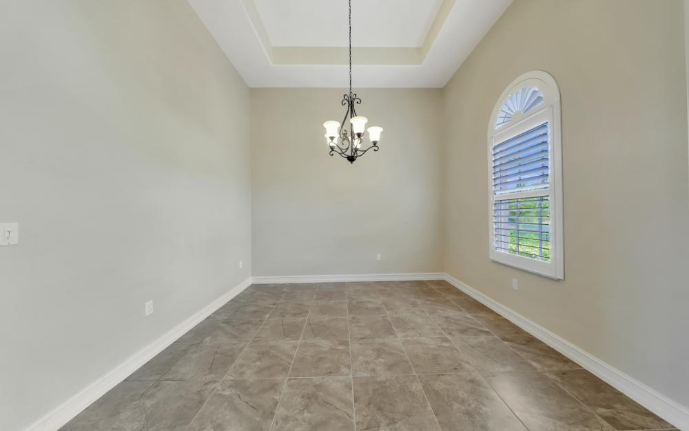 7762 Cottesmore Dr, Naples - Home For Sale 37603317