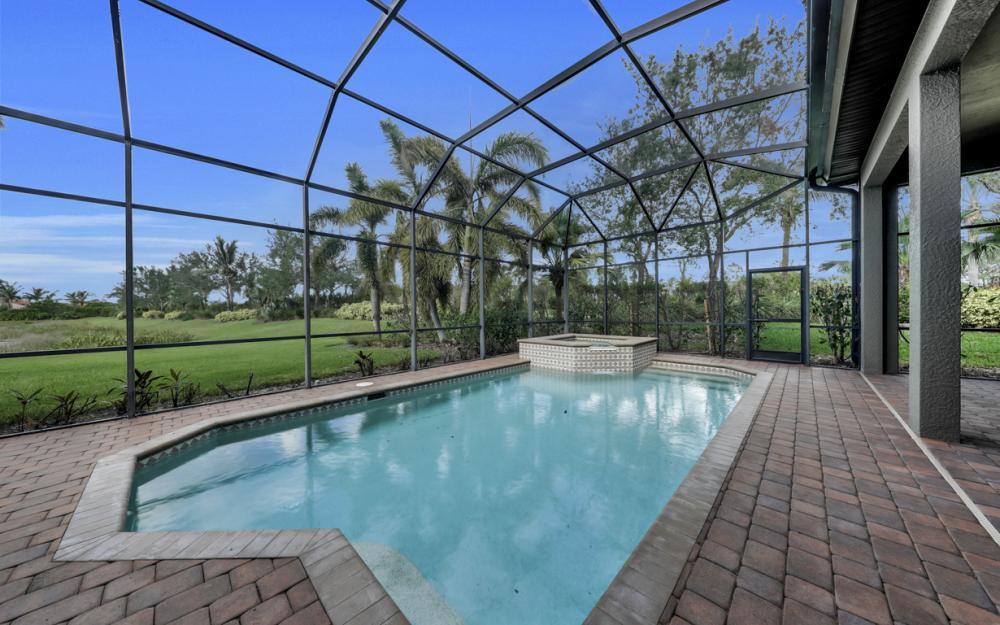 7762 Cottesmore Dr, Naples - Home For Sale 1729495443