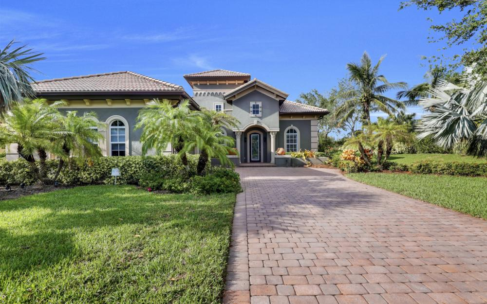7762 Cottesmore Dr, Naples - Home For Sale 1588192072