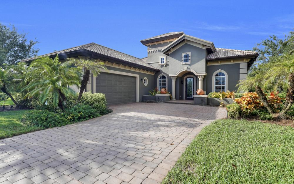 7762 Cottesmore Dr, Naples - Home For Sale 1069721044