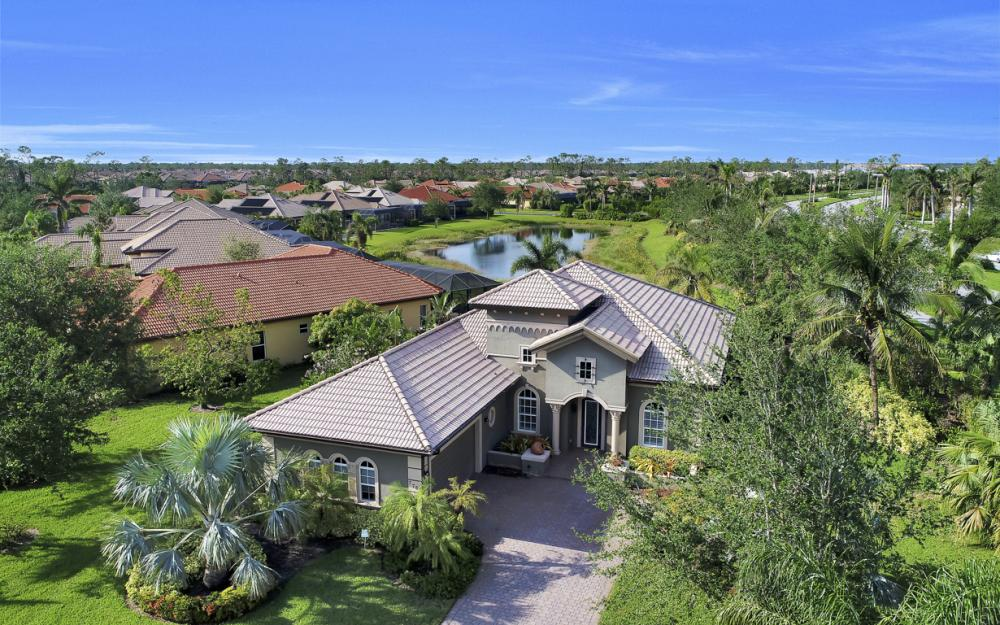 7762 Cottesmore Dr, Naples - Home For Sale 1268545398