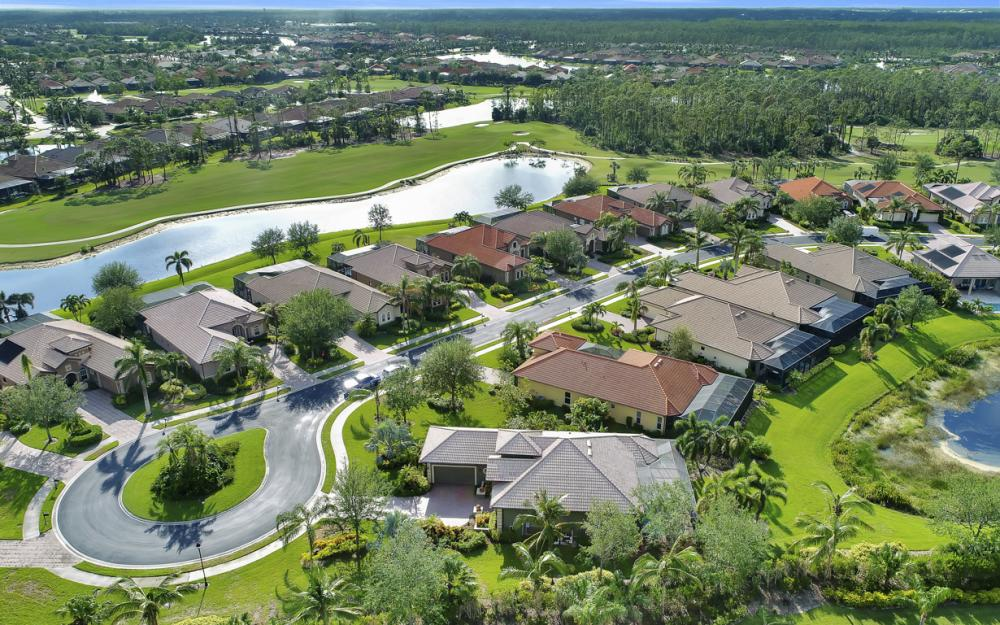 7762 Cottesmore Dr, Naples - Home For Sale 25590288