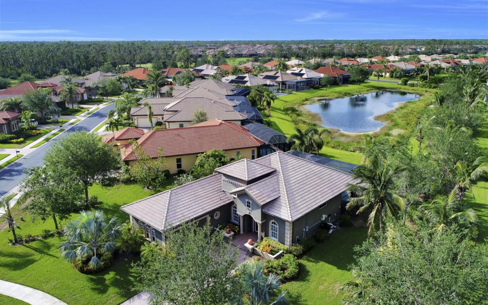 7762 Cottesmore Dr, Naples - Home For Sale 1730368974