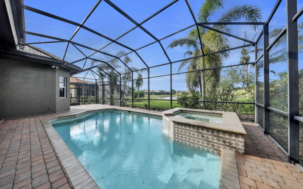 7762 Cottesmore Dr, Naples - Home For Sale 1255363381