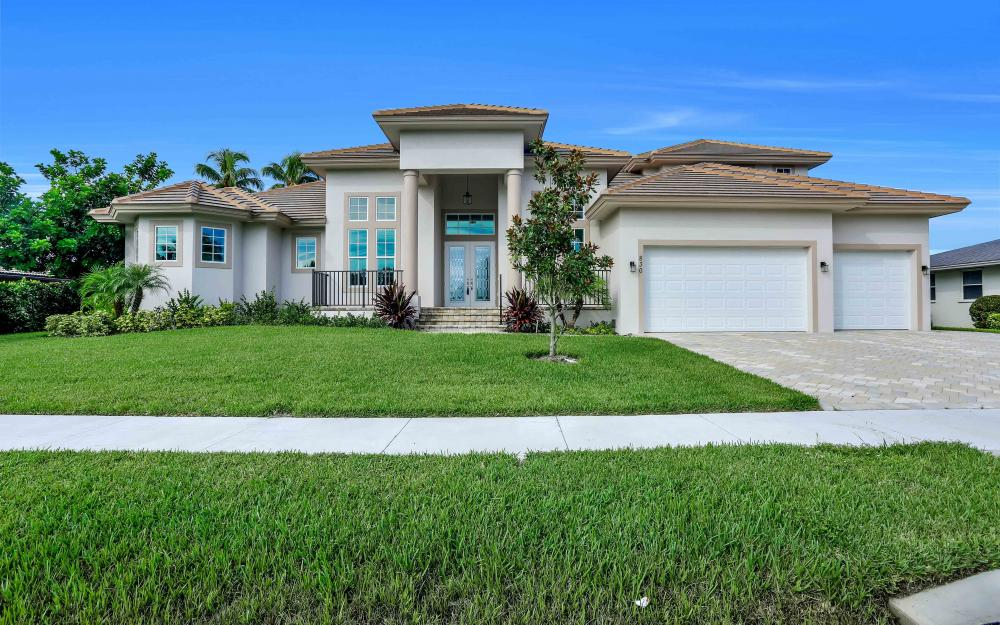 830 Fairlawn Ct, Marco Island - Home For Sale 1162798548