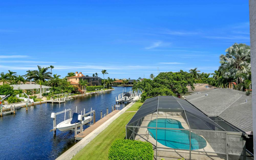 830 Fairlawn Ct, Marco Island - Home For Sale 121034897