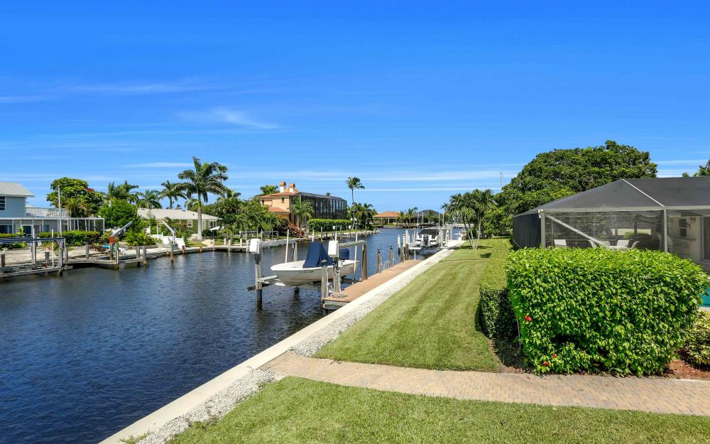 830 Fairlawn Ct, Marco Island - Home For Sale 1588108412