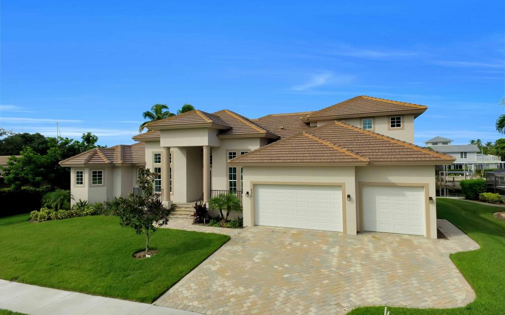 830 Fairlawn Ct, Marco Island - Home For Sale 894866805