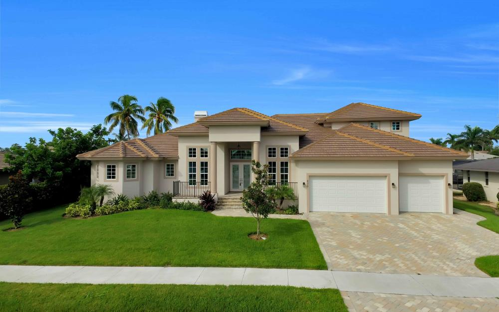 830 Fairlawn Ct, Marco Island - Home For Sale 1863634798