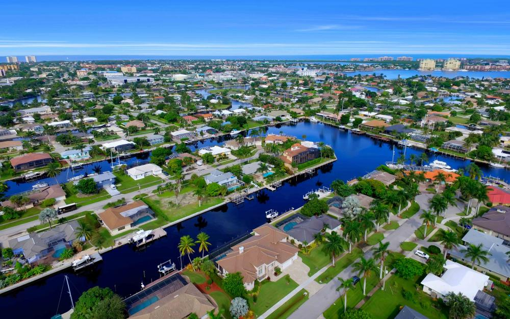 830 Fairlawn Ct, Marco Island - Home For Sale 2141893651