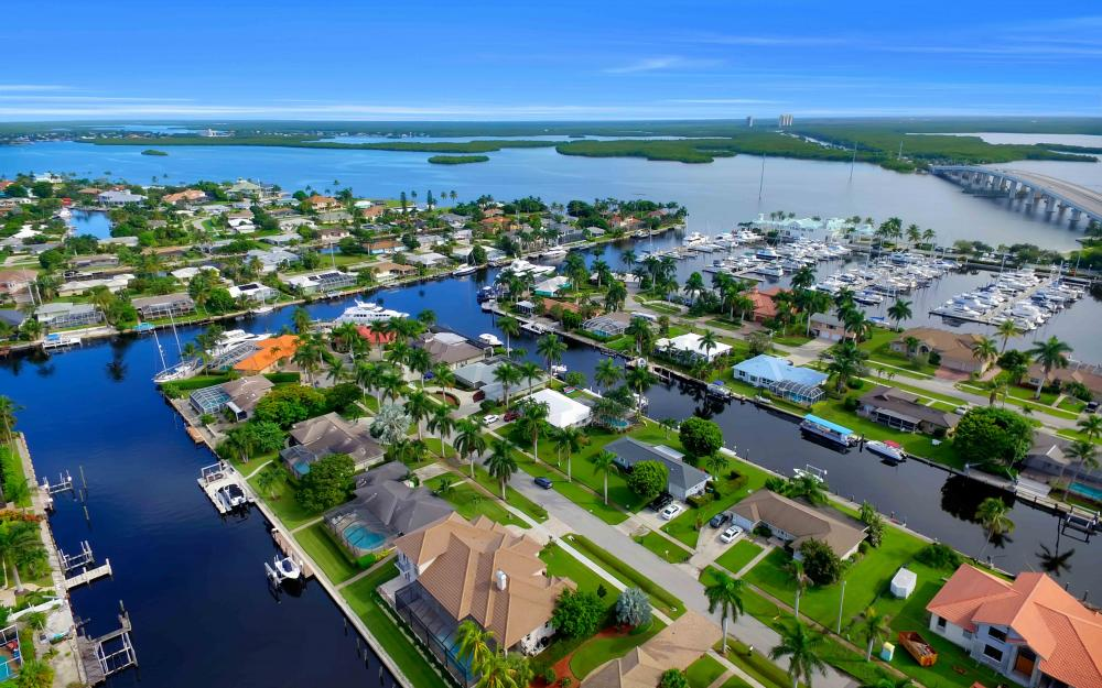 830 Fairlawn Ct, Marco Island - Home For Sale 203890499