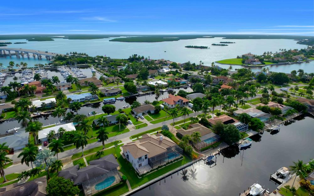 830 Fairlawn Ct, Marco Island - Home For Sale 674865652