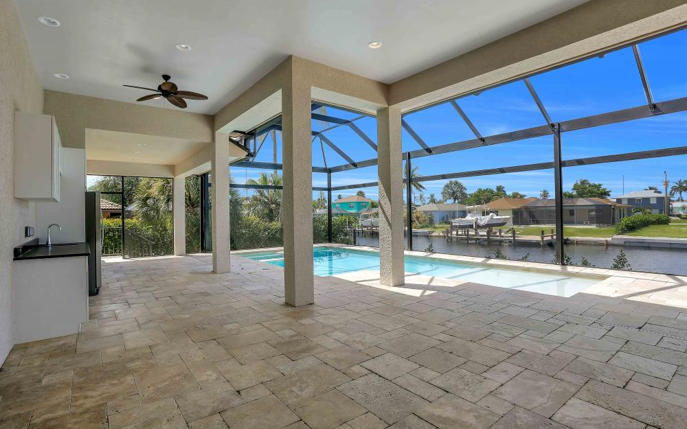 830 Fairlawn Ct, Marco Island - Home For Sale 676822639