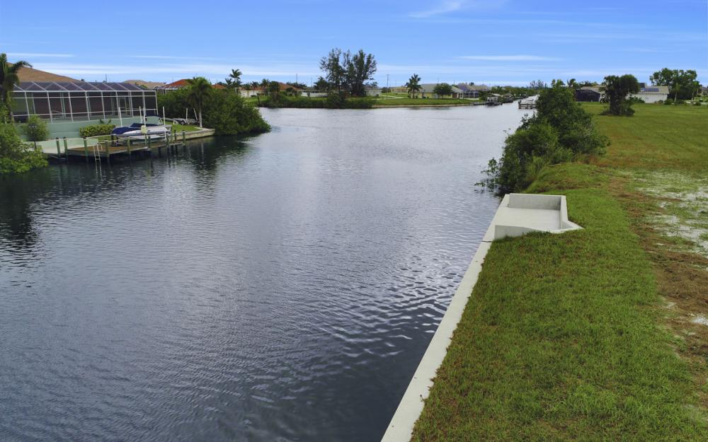 306 NW 32nd Pl, Cape Coral - Lot For Sale 129093603