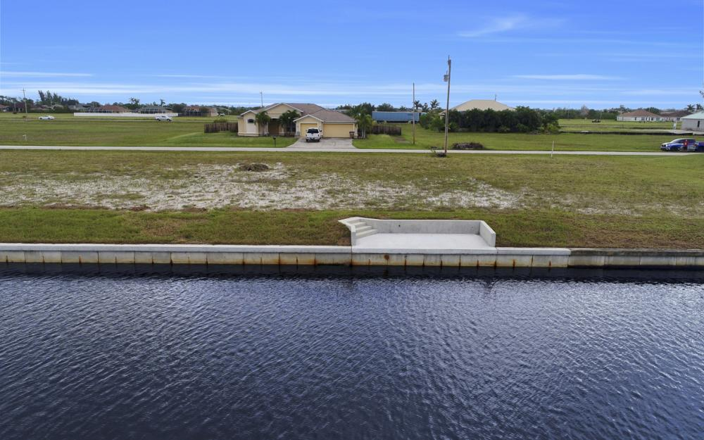 306 NW 32nd Pl, Cape Coral - Lot For Sale 920822482