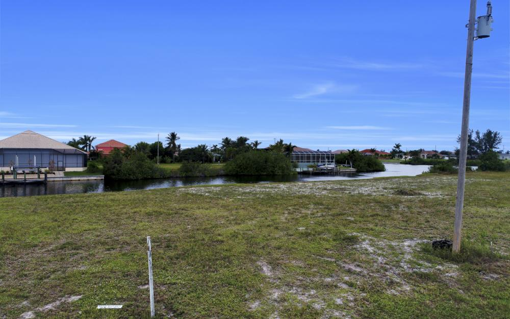 306 NW 32nd Pl, Cape Coral - Lot For Sale 69158390