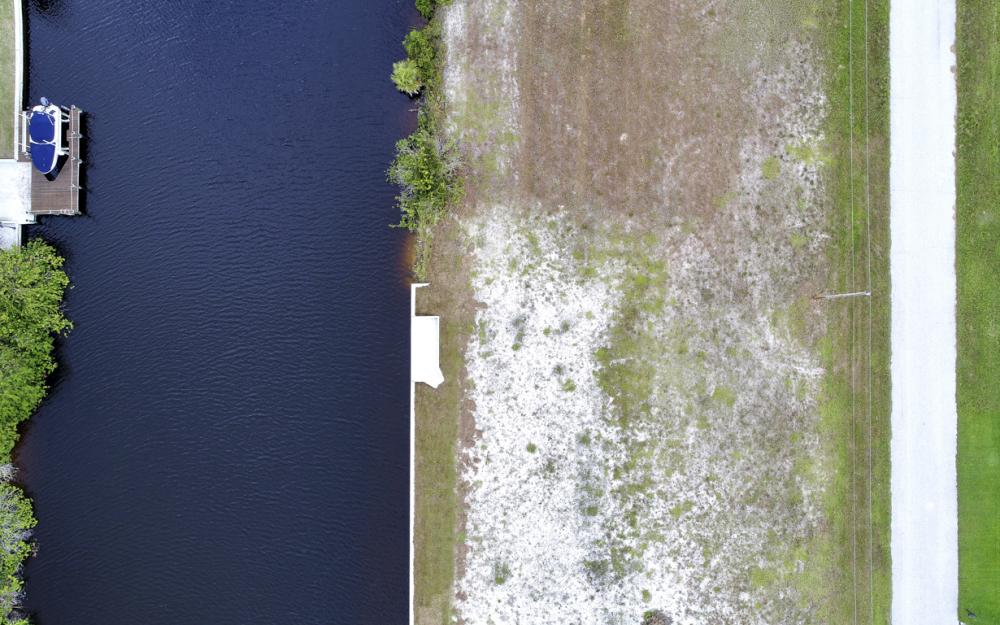 302 NW 32nd Pl, Cape Coral - Lot For Sale 1058999046