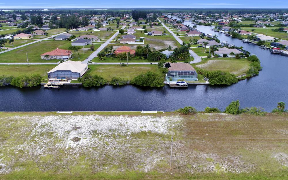 302 NW 32nd Pl, Cape Coral - Lot For Sale 54042178