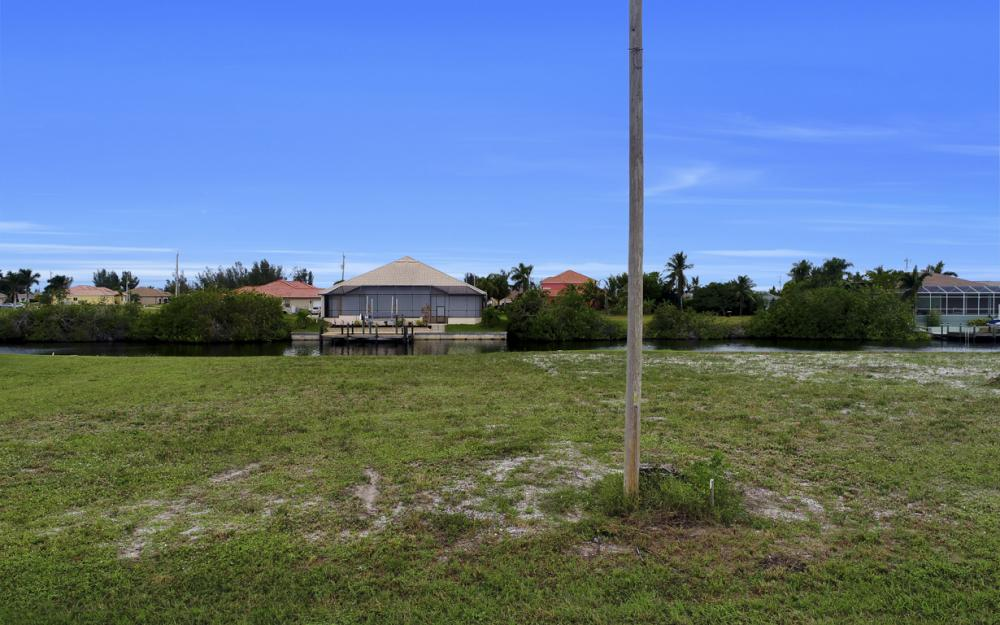 302 NW 32nd Pl, Cape Coral - Lot For Sale 727473585