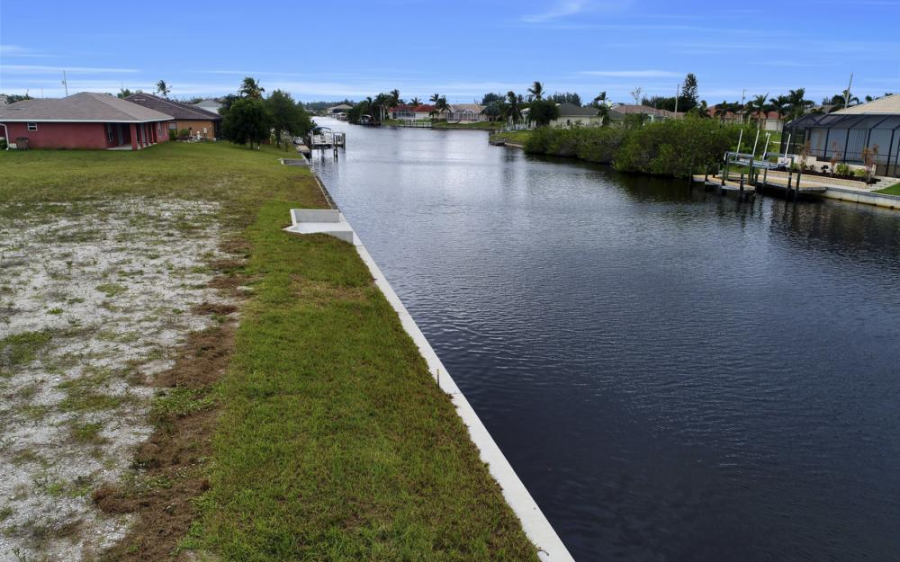 302 NW 32nd Pl, Cape Coral - Lot For Sale 1871684043