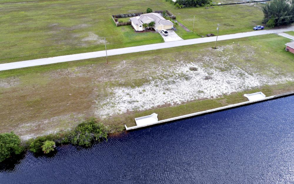 302 NW 32nd Pl, Cape Coral - Lot For Sale 2069068655