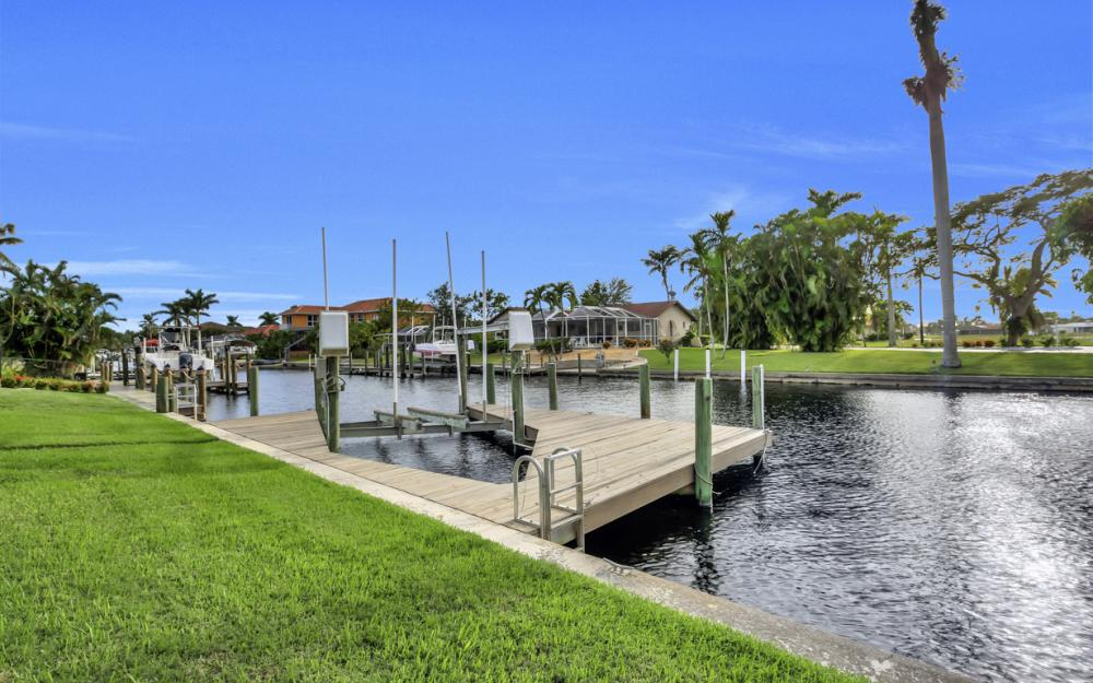 5218 Seminole Ct, Cape Coral - Home For Sale 1617641191