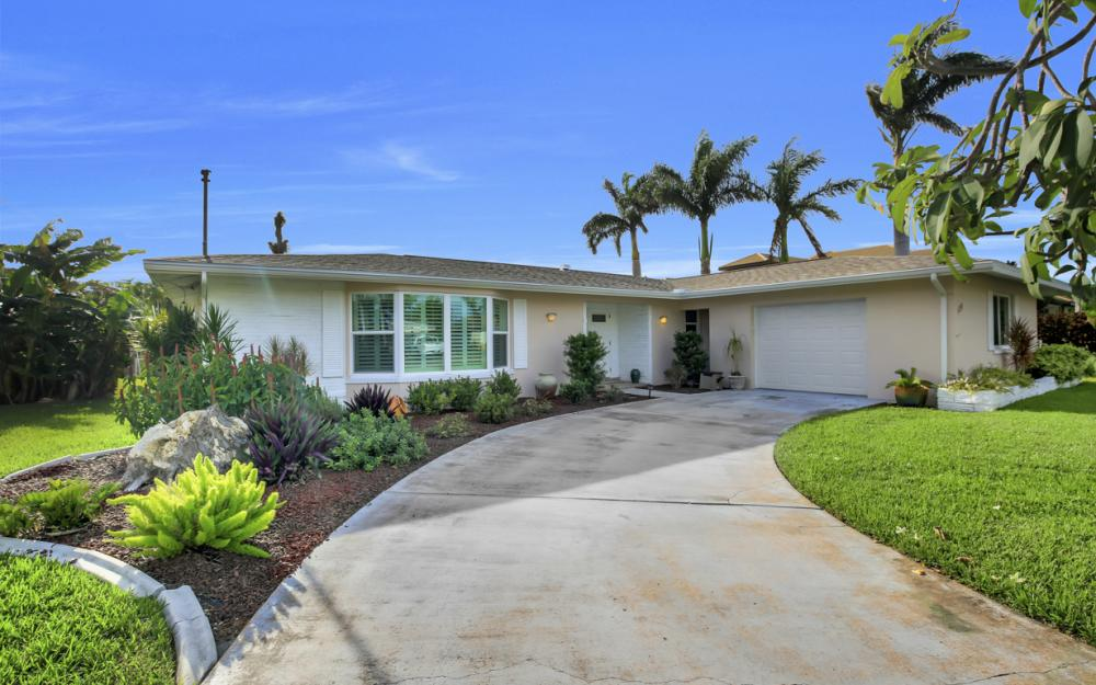 5218 Seminole Ct, Cape Coral - Home For Sale 2030100929