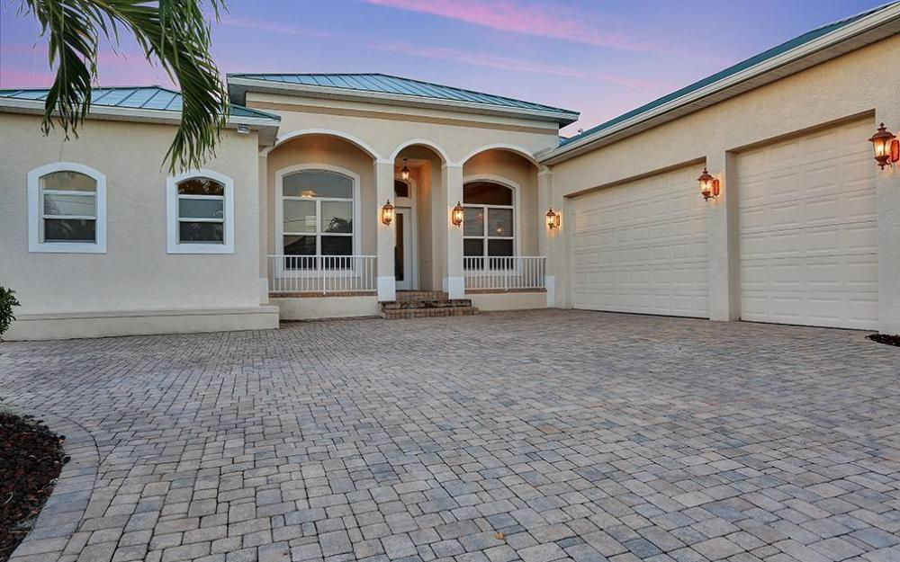 1502 SW 52nd Ln, Cape Coral - House For Sale 1260021016