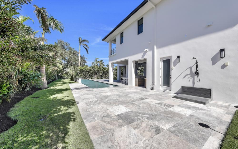 689 Banyan Blvd, Naples - New Luxury Home For Sale 1473004171