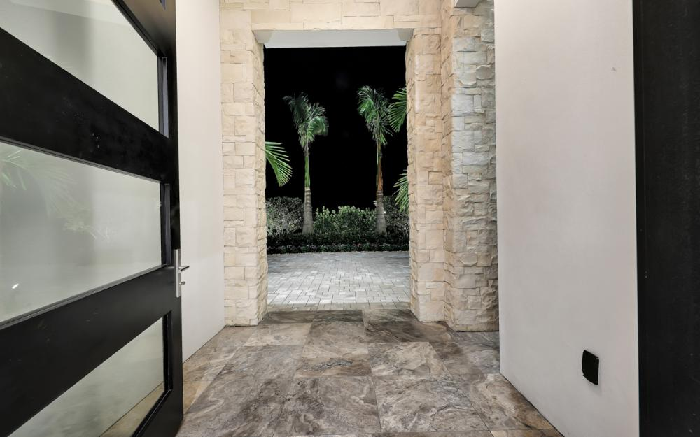 689 Banyan Blvd, Naples - New Luxury Home For Sale 259696415