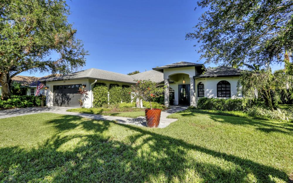 661 97th Ave N, Naples - Home For Sale 289109977