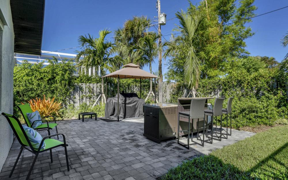 661 97th Ave N, Naples - Home For Sale 203915524