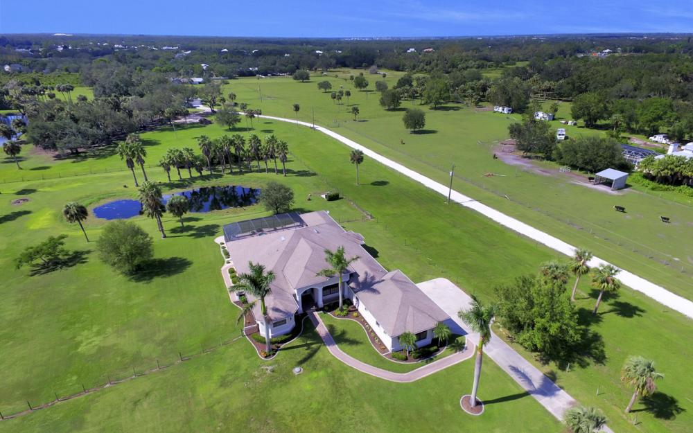 4566 Orange River Loop Rd, Buckingham - Home For Sale 1069938053