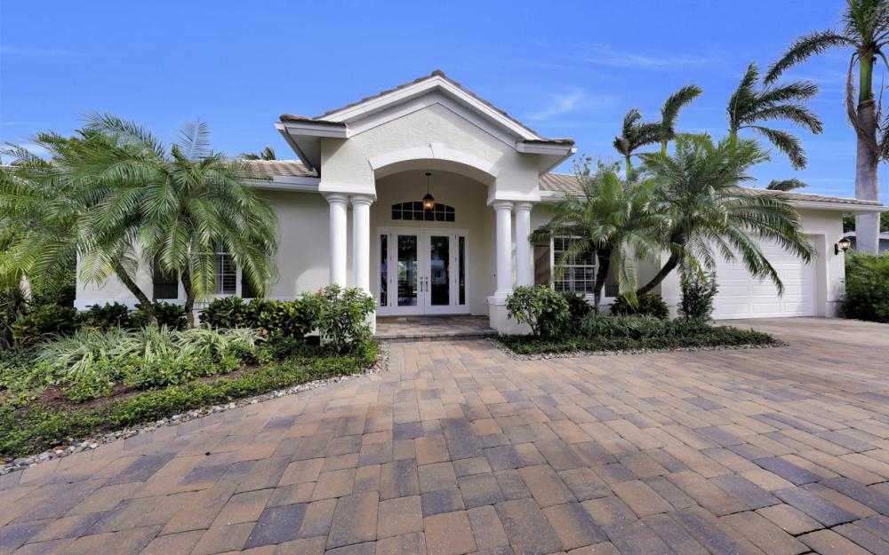 425 Rudder Rd, Naples - Home For Sale 2082217175