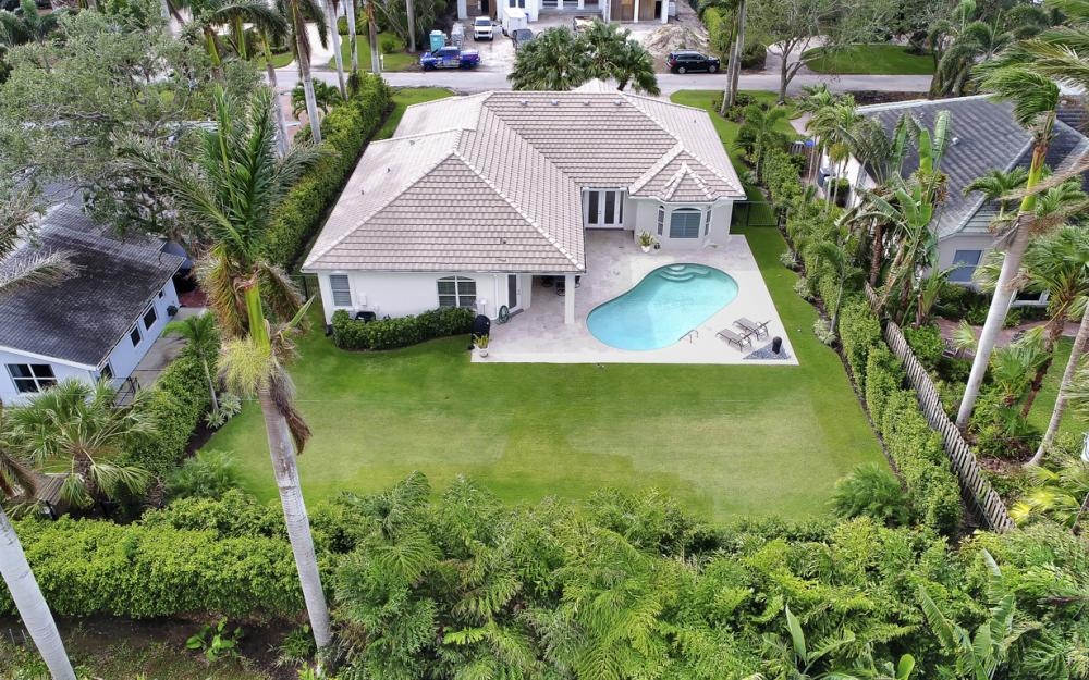 425 Rudder Rd, Naples - Home For Sale 2082653301