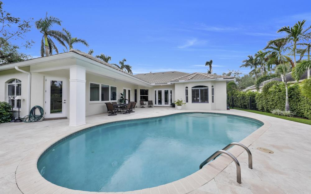 425 Rudder Rd, Naples - Home For Sale 565174585