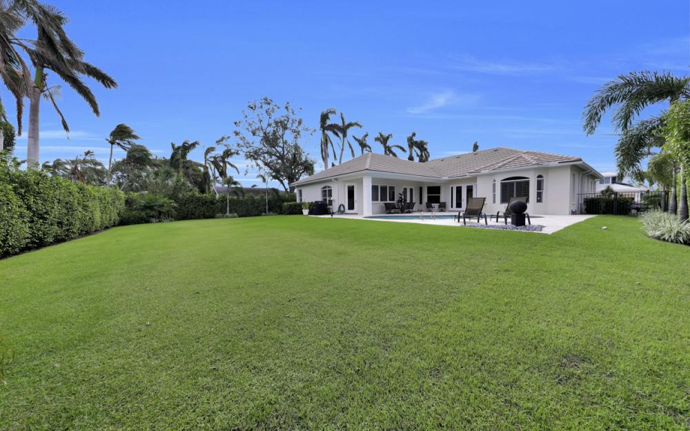 425 Rudder Rd, Naples - Home For Sale 808965476