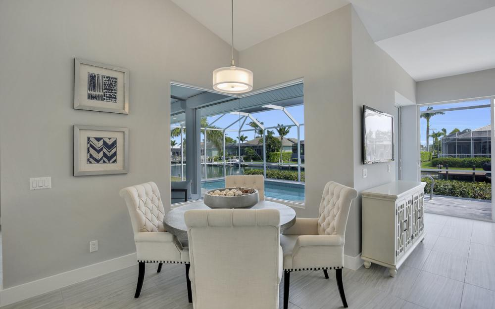 609 Crescent St, Marco Island  - Home For Sale 639167122