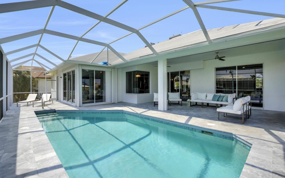 609 Crescent St, Marco Island  - Home For Sale 968180962