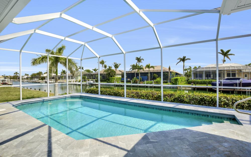 609 Crescent St, Marco Island  - Home For Sale 931605962