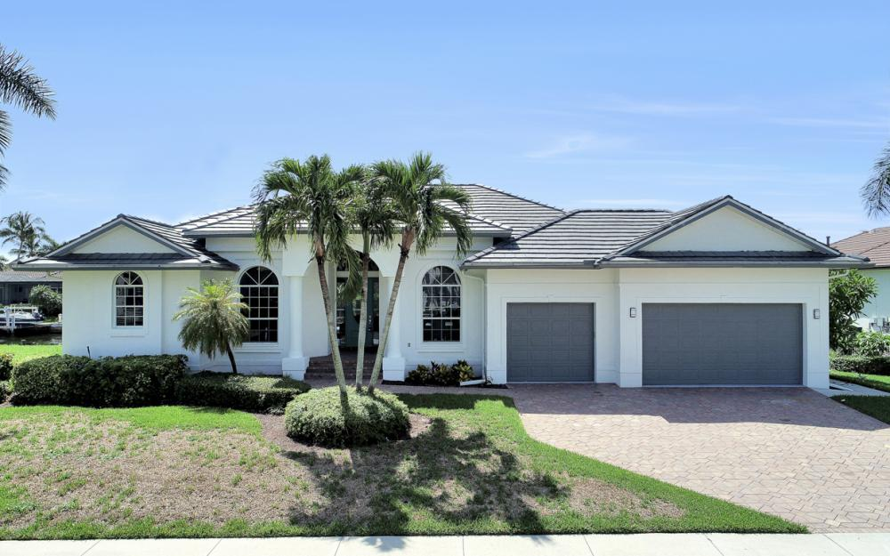 609 Crescent St, Marco Island  - Home For Sale 382855255