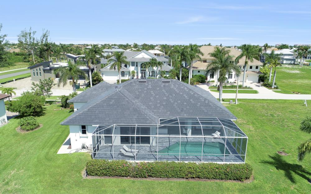 609 Crescent St, Marco Island  - Home For Sale 316657367