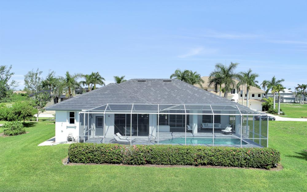 609 Crescent St, Marco Island  - Home For Sale 631579914