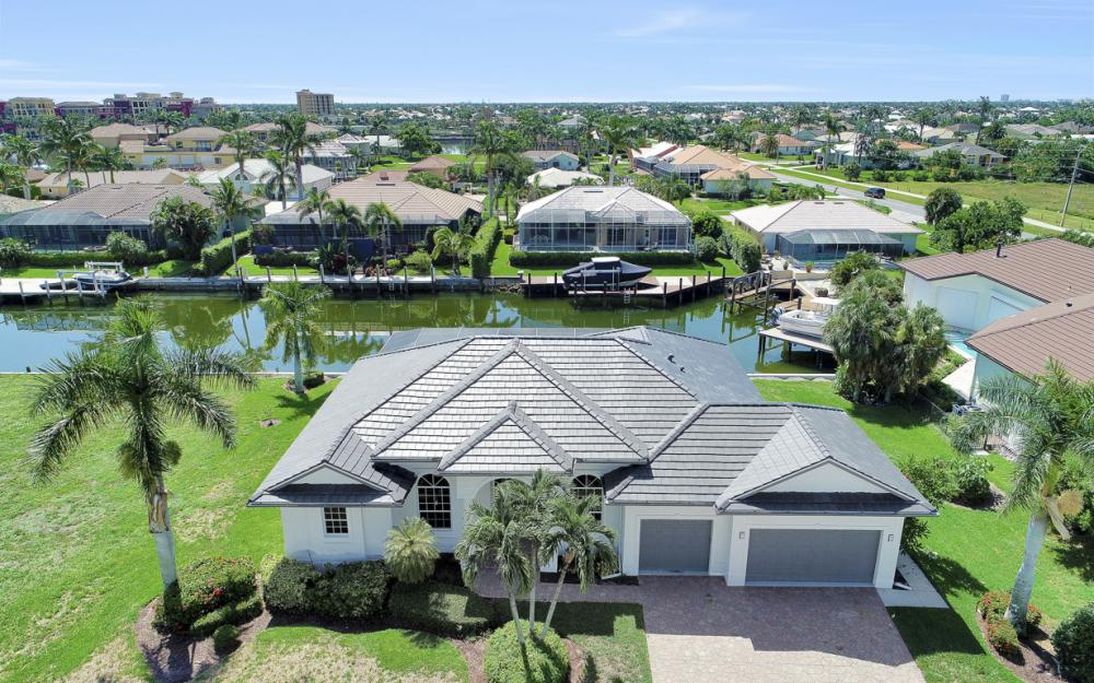 609 Crescent St, Marco Island  - Home For Sale 2006396623
